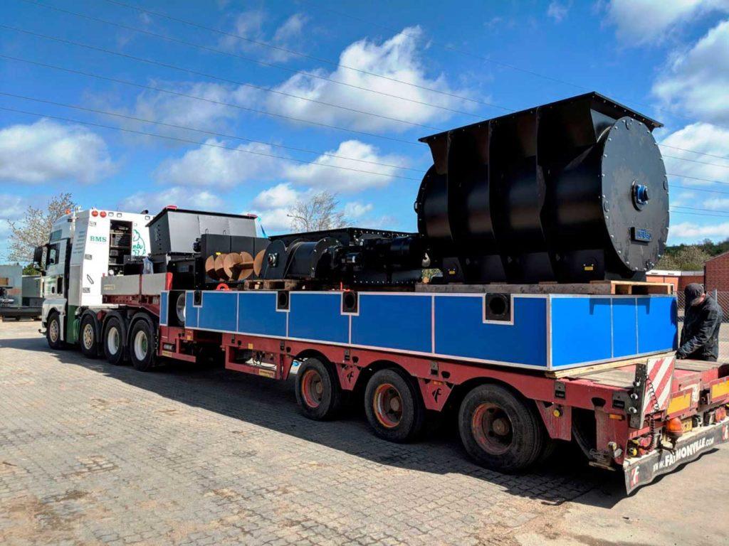 Shipment of the steel base, stoker, shredder and rotary valve from Brabrand to Midtlangeland.
